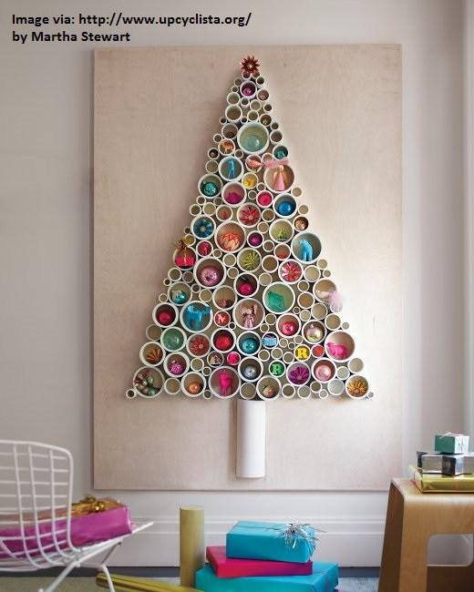 albero di Natale fai da te con tubi in plastica