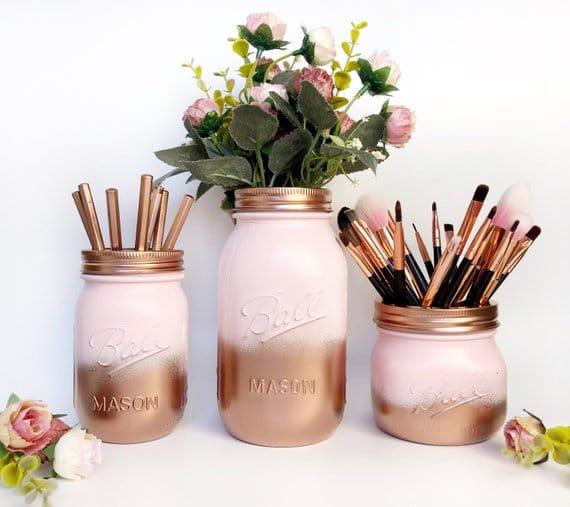 barattoli in vetro decorati in color rame porta trucchi, piante e pennelli
