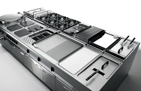 Scegliere arredamenti commerciali cucina professionale in acciaio