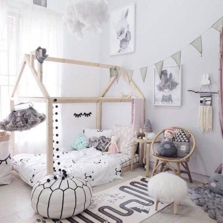 Camerette particolari per bambini con letto montessoriano