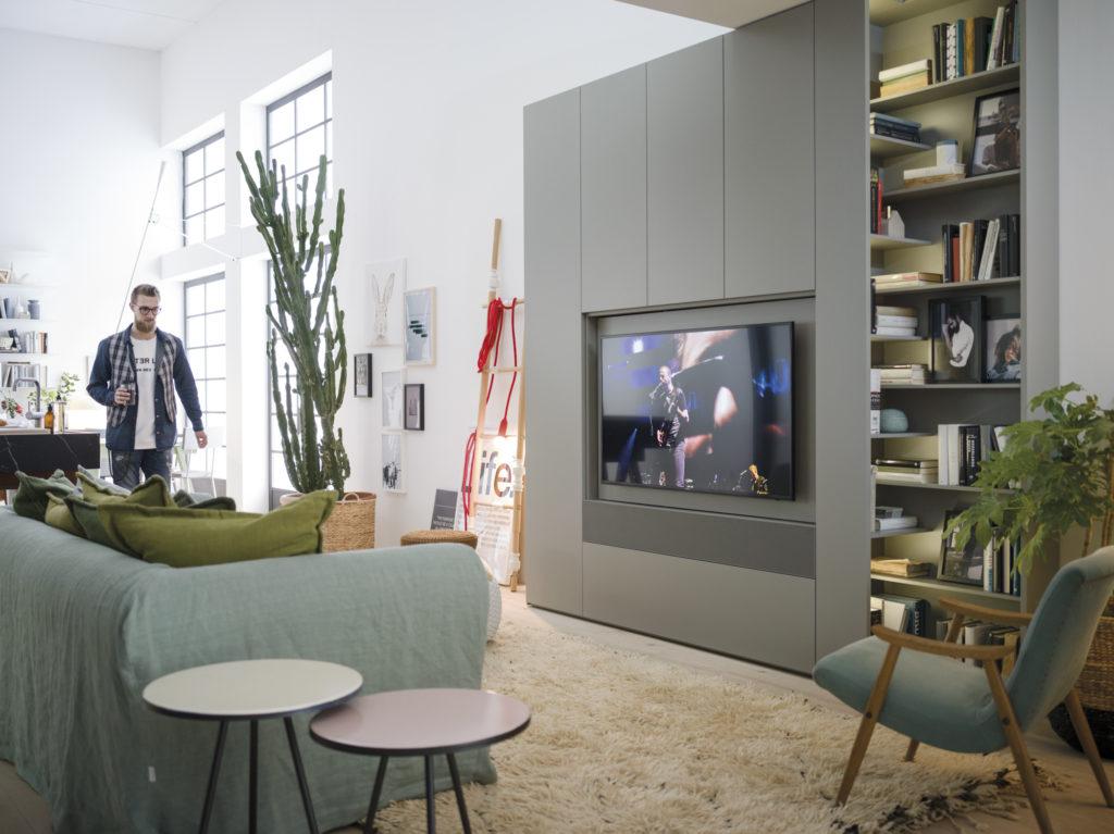 Armadio camera da letto con Tv incorporata