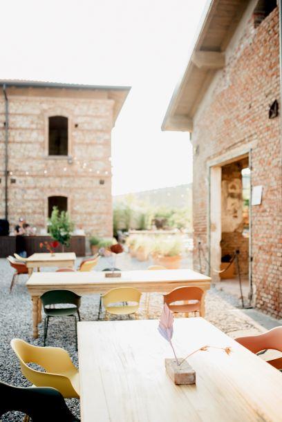 La Tabaccaia esterno con tavoli e sedie Lady B